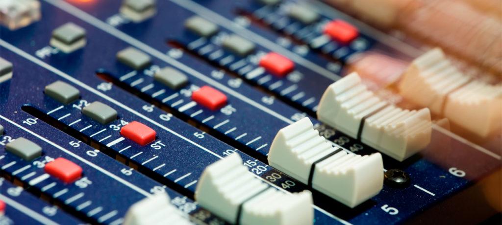 Entregan Título de Concesión de Uso Público de Radiodifusión al Congreso General