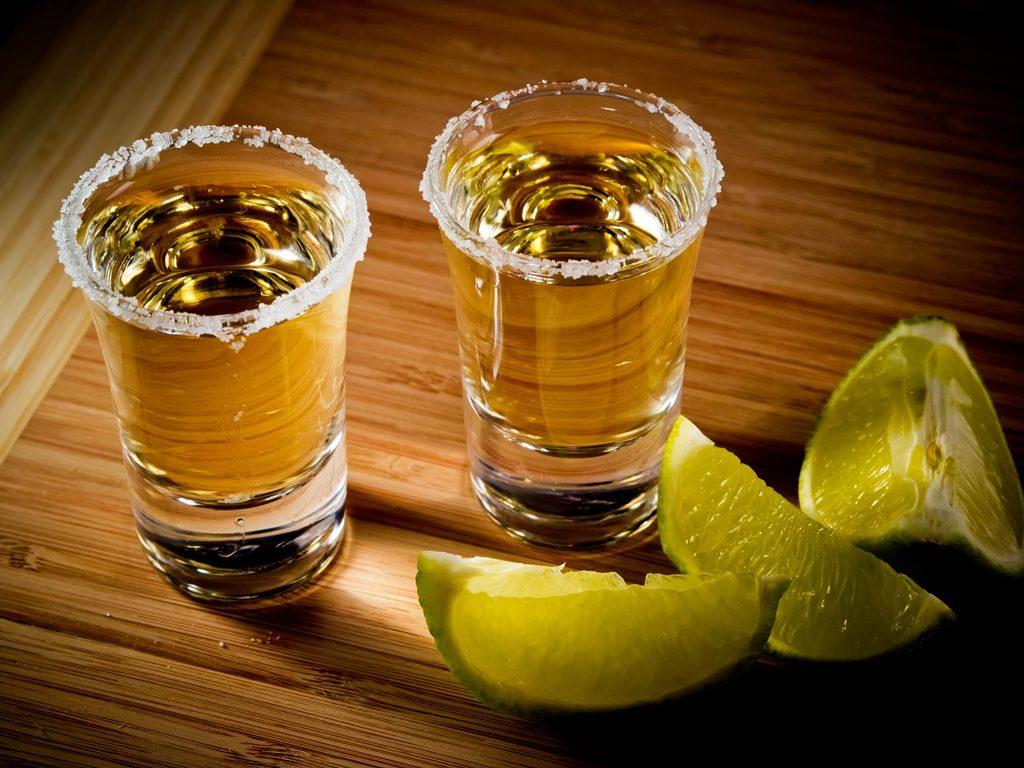 """Avalan diputados declarar el """"Día Nacional del Tequila""""; será el tercer domingo de marzo"""