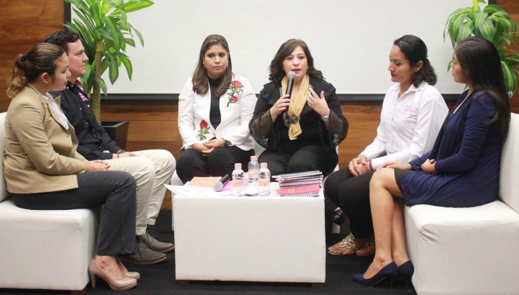 La cultura del emprendimiento forma mujeres líderes e independientes: Celia Rivas