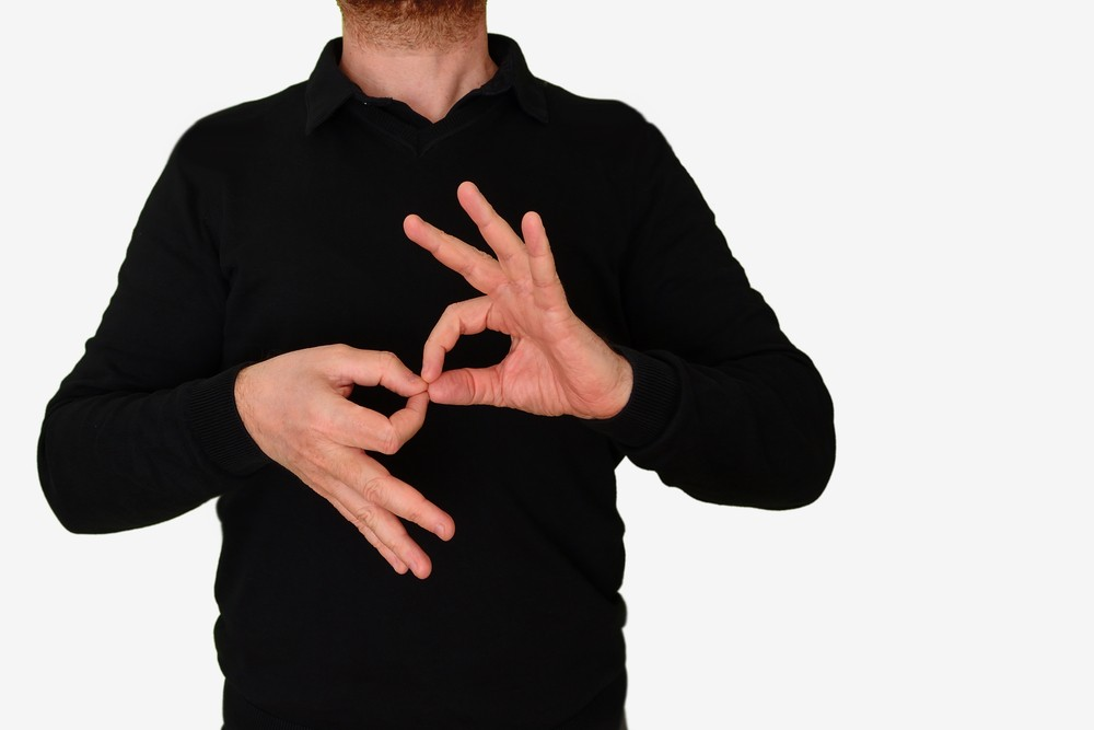 Obligan al INE incluir intérpretes en Lengua de Señas Mexicanas en materiales electorales, debates y promoción de candidatos