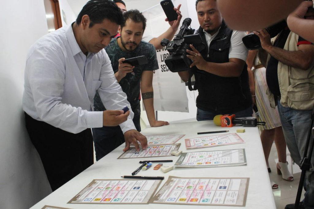 Presentación de materiales electorales