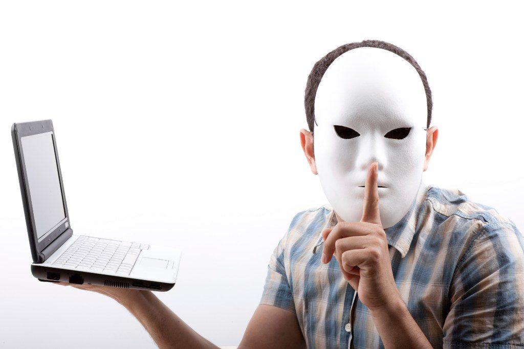 Sanción y multa a cónyuges que cometan fraude familiar